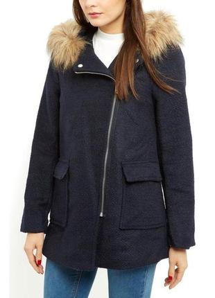 В наличии - деми-пальто с капюшоном *new look* 10/38 р.
