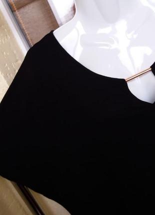 Блуза с красивым декольте большой размер футболка