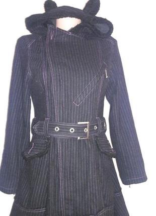 Пальто в лиловую полоску с капюшоном и ушками