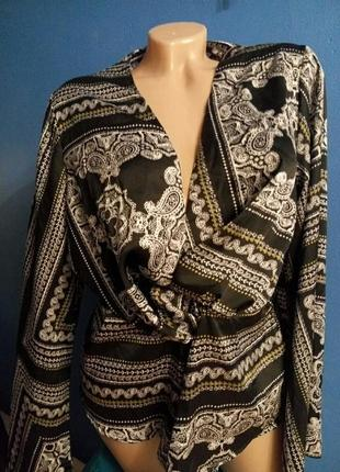 Эффектная шелковая блузка дизайнерская