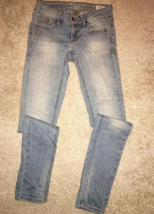 Красивые джинсы colin's