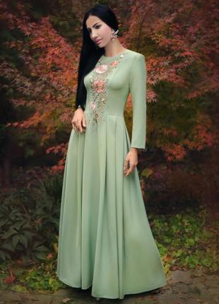 """Нарядное длинное платье с ручной вышивкой """"ранняя весна"""""""