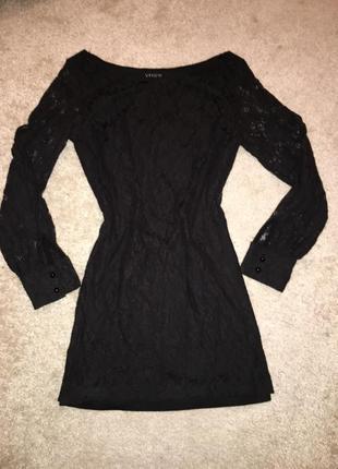 Платье из гипюра
