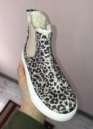 Утеплённые леопардовые кеды