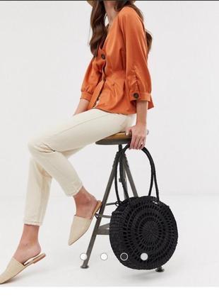 Трендова стильна плетена чорна сумка asos