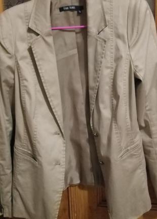 Пиджак женский 40 размер