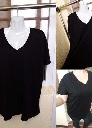 Базовая черная футболка с v-образным вырезом большой размер