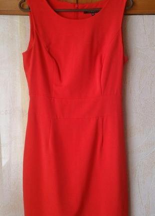 Эффектное красное платье по фигуре