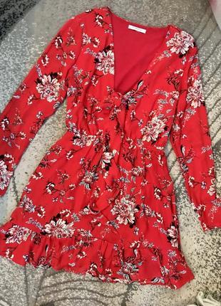 Красное цветочное шифоновое платье