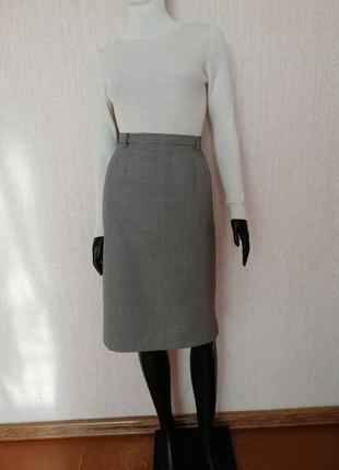 Стильная шерстяная юбка