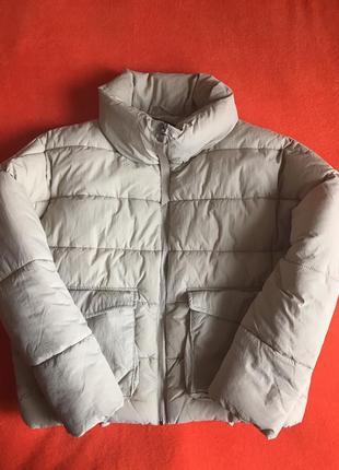 Зимняя молодежная бежевая курточка