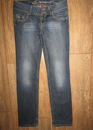 Стильные прямые джинсы р-р 26 бренд edc