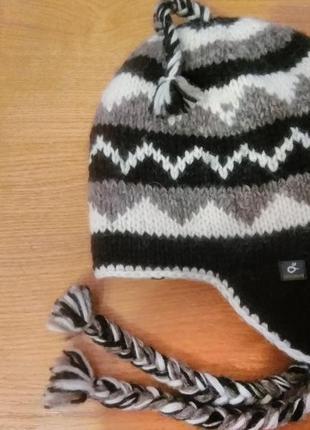 Шерстяная шапка ,оригинал из непала.