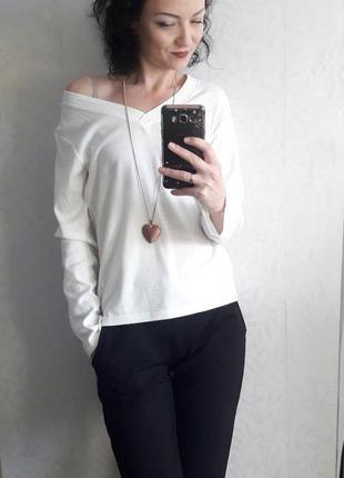 Белый лонгслив