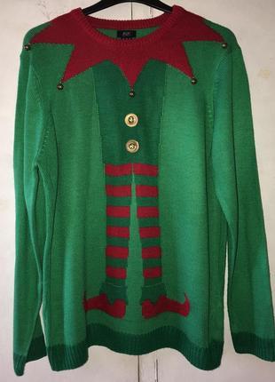 Продам тёплый новогодний свитер большого размера.