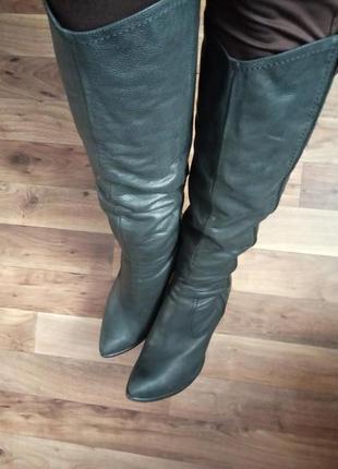 Демісезонні шкіряні чоботи