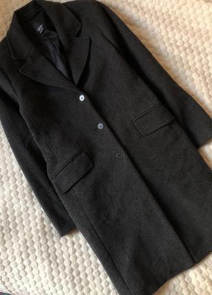 Фирменное пальто 60% шерсти