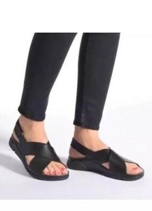 Крутые кожаные мягкие удобные босоножки сандалии clarks/кожа
