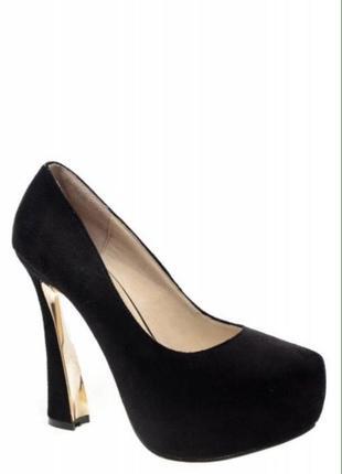 Туфли на высоком каблуке3 фото