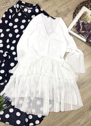 Zara нарядна білосніжна подовжена блуза з плісерованим ярусним низом та рукавами 💣🔥