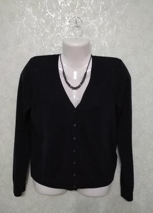 Пуловер стильный на пуговицах marks spenser.
