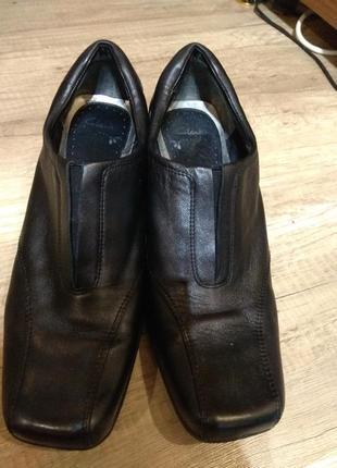 Шкіряні туфлі 42-43 розмір