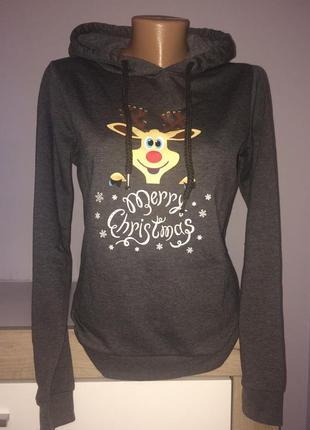 Тёплый свитер, свитшот, худи в новогоднем стиле