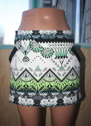 Стильная оригинальная юбка в орнаментах этно