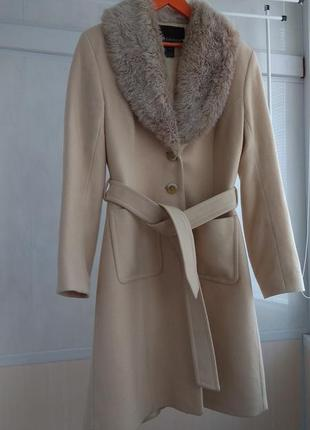 Нежное классическое кашемировое пальто