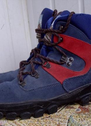 Треккинговые ботинки everest