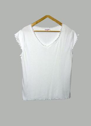 Белоснежная футболка в рубчик большого размера