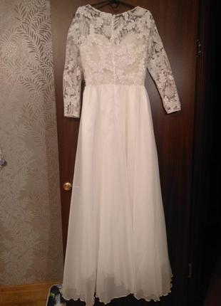 Идеально новое платье для венчания или росписи или фотосессии, ни разу не одевалось.