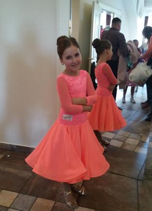 Рейтинговое платье для спортивно бальных танцев