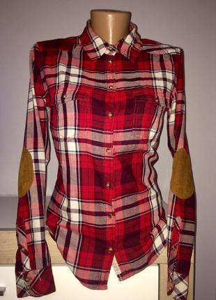 Стильная рубашка в клетку с латками на локтях