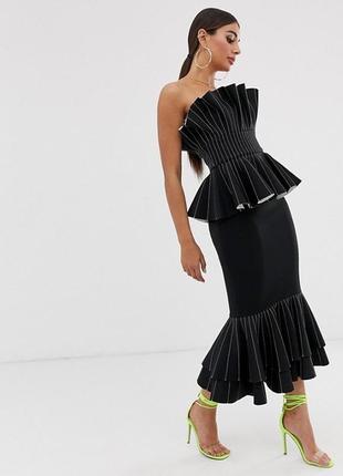 Необычное платье полоски и оригами декольте