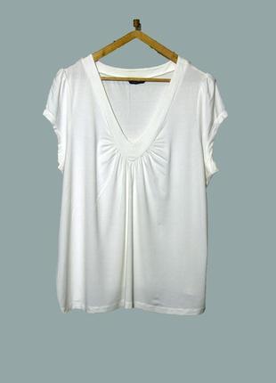 Белоснежная футболка из вискозы большого размера uk32