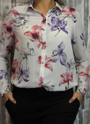 Шикарная блуза в цветах с длинным рукавом 12 размер. большой выбор модной одежды.