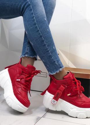 Кроссовки красные на платформе из экокожи