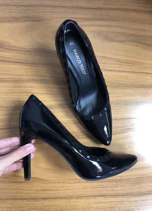 Лаковые туфли лодочки marco tozzi