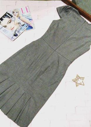Красивое платье чехол футляр с плиссированной вставкой сзади warehouse