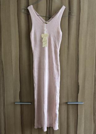 Пудровое летнее платье трикотаж