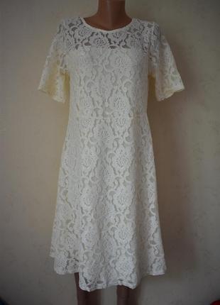 Новое красивое кружевное платье