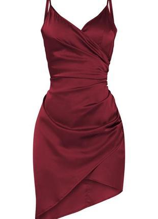 Ассиметричное сатиновое платье комбинация в бельевом стиле бургунди марсала вино