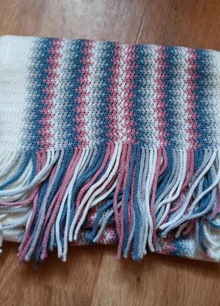 Мягкий полосатый шарф