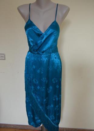 Очень классное нарядное вечернее платье с открытой спинкой
