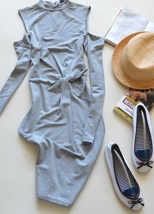 Платье, футляр, миди, с плечами, с рукавом, с рукавами