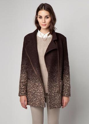 Пальто с леопардовым принтом bershka