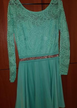 Платье нарядное мятного цвета