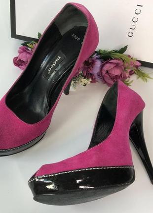 Женские розовые замшевые туфли