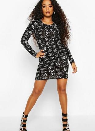 Boohoo. платье футляр с принтом uk 10 на наш 46-48 новое.